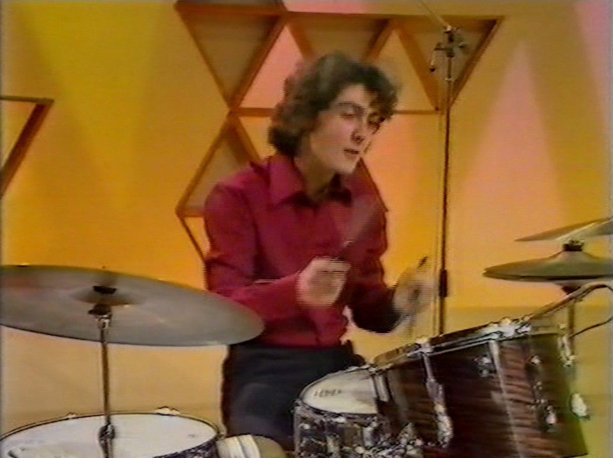 Greg Knowles presenting How Do You Do! (BBC1, 1977).