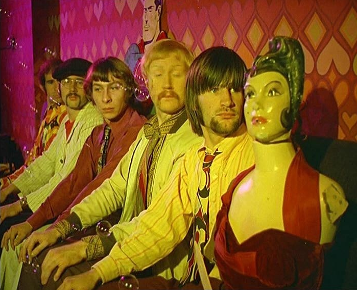 The Bonzo Dog Doo-Dah Band performing the Head Ballet on Pathe News (1966).