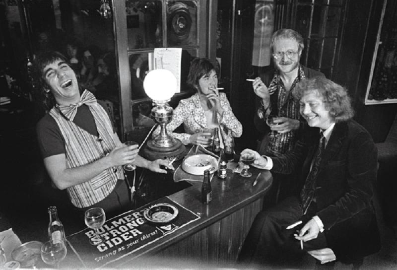 Keith Moon, Ronnie Lane, Vivian Stanshall and Chris Welch during the recording of Viv Stsanshall's Radio Flashes (BBC Radio 1, 1971).