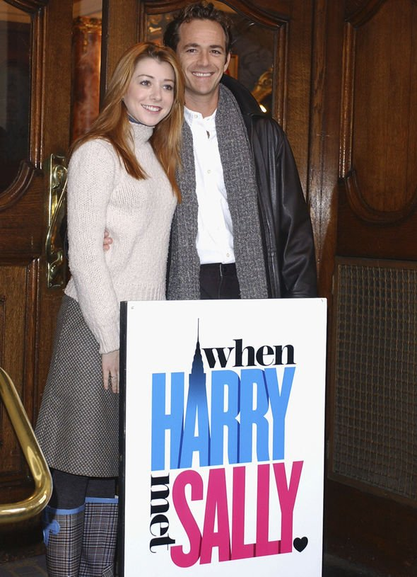 Alyson Hannigan and Luke Perry in When Harry Met Sally (2004) - listen to Emma Burnell talking to Tim Worthington about it in Looks Unfamiliar.